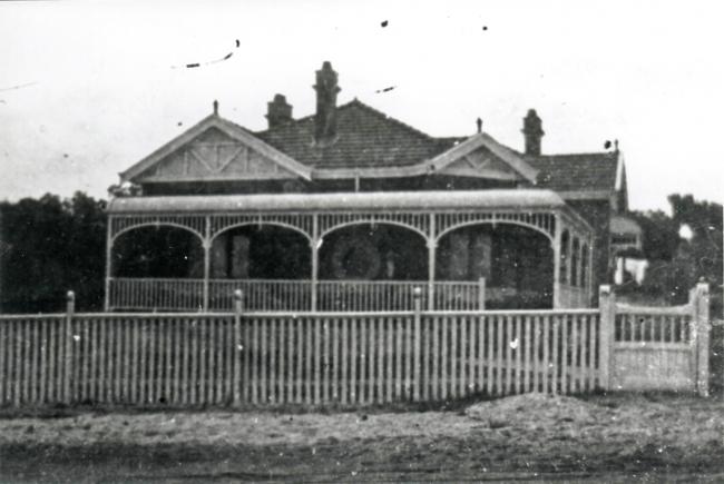 Australian mining 1900 house