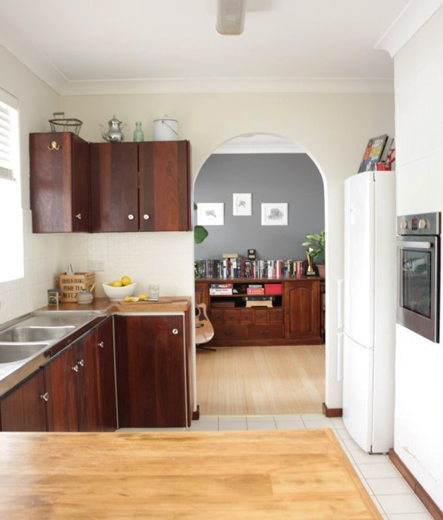 Our Budget Kitchen Makeover: How To Paint Splashback Tiles