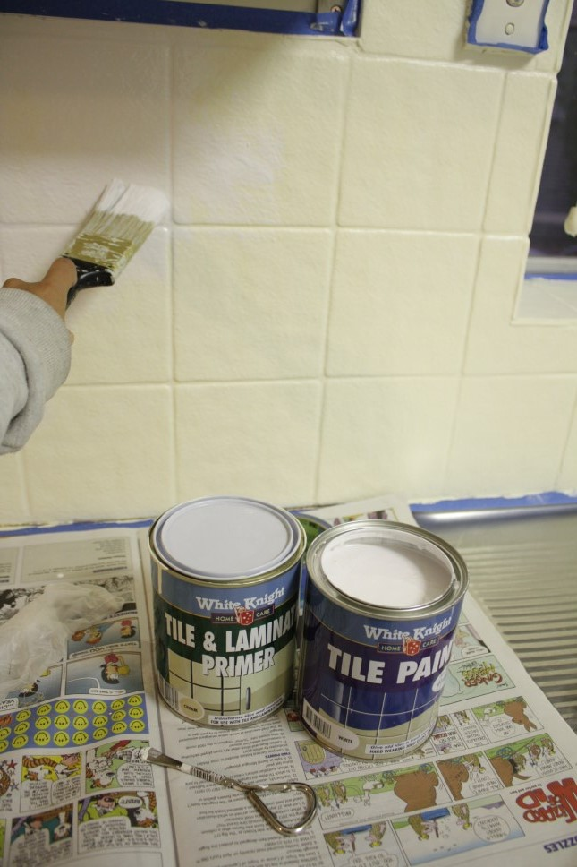kitchen tile paint colours our budget kitchen makeover how to paint splashback tiles 6277